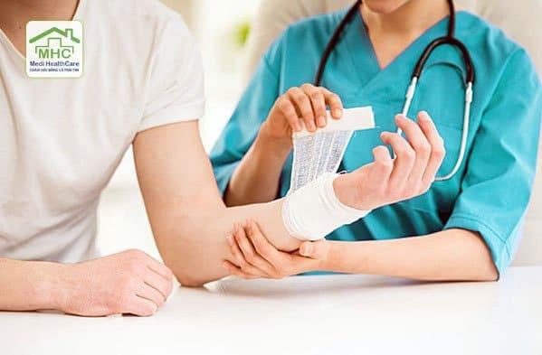 nhận thay băng tại nhà nhận thay băng vết thương tại nhà nhận thay băng cắt chỉ tại nhà tphcm