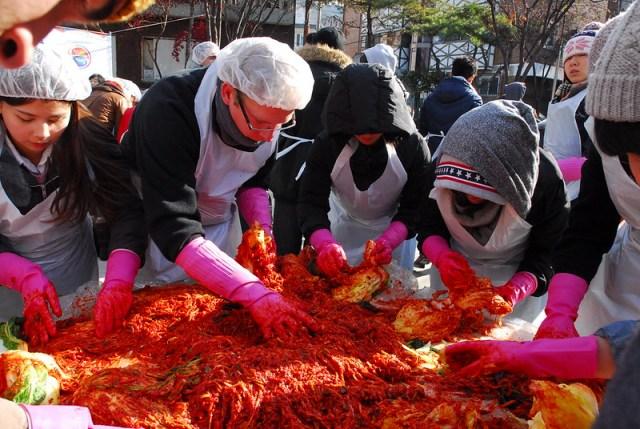 Kimjang fabrication collective du kimchi