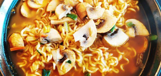 nouilles-pimentées-coréenne