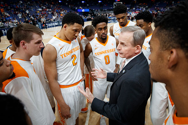 Rick Barnes with UT Mens Basketball players