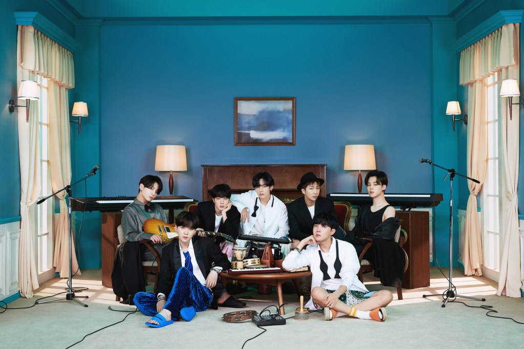 ★-BTS_BE-Deluxe-Edition-7