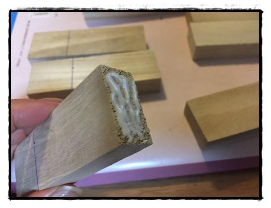 9cmの板と6cmの板をボンドで付ける