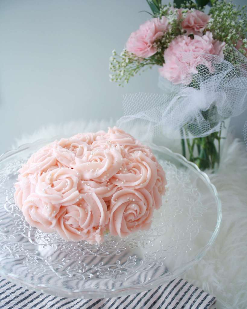 Easy first birthday ideas: it didn't take long to make this pink rosette first birthday smash cake