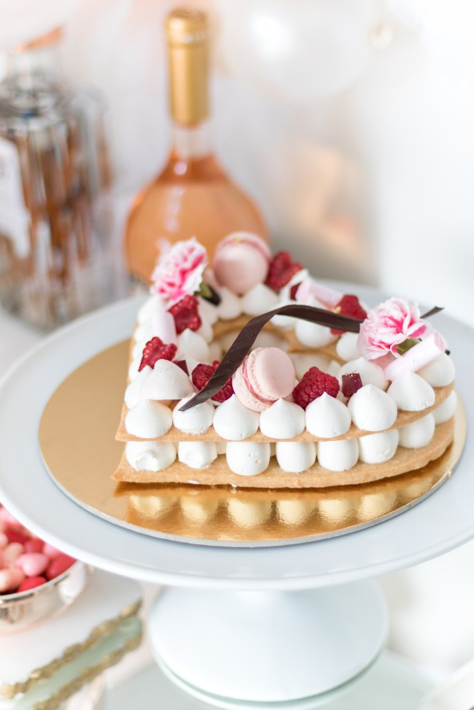 Valentine's Day bar - sweet heart tart - shortbread pastry tart with macarons, raspberry gelee and meringues