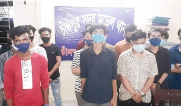 চাঁদপুর শহরে কিশোর গ্যাংয়ের ৪০ সদস্য আটক