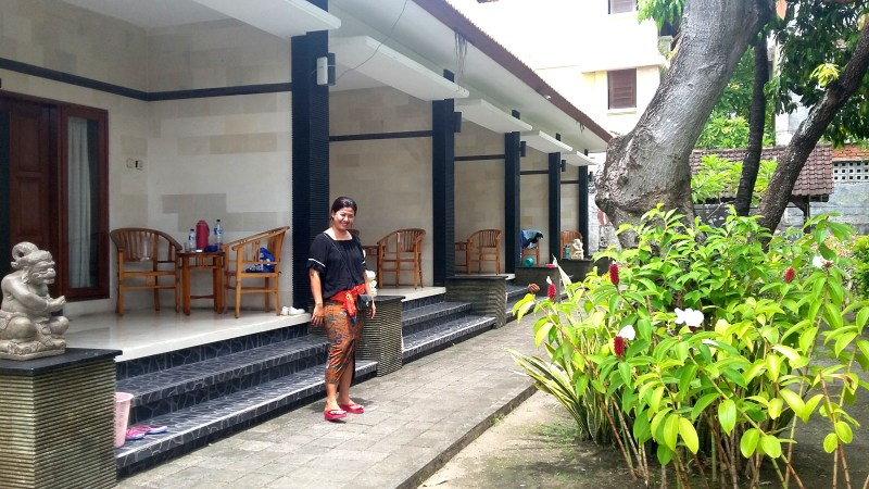 Legian guest house with Balinese owner