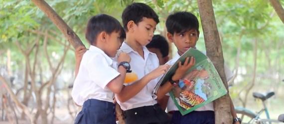 Children reading Cambodia