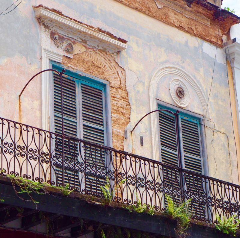 Windows and balcony over looking the street in Old San Juan, Puerto Rico | Letters from abroad: Puerto Rico and Old San Juan | Changing Pages #Travel #Photography | BL | Black Lion Journal | Black Lion