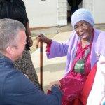 Rayne Stroebel with the oldest resident at Emseni