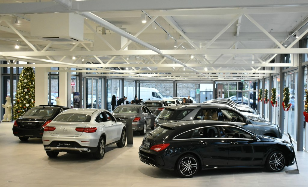 New Mercedes-Benz showroom MSL Ballsbridge Motors