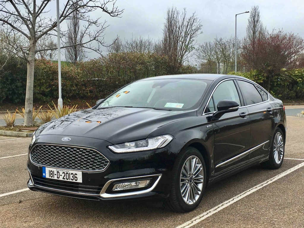 ford mondeo hybrid hev first drive review changing lanes. Black Bedroom Furniture Sets. Home Design Ideas