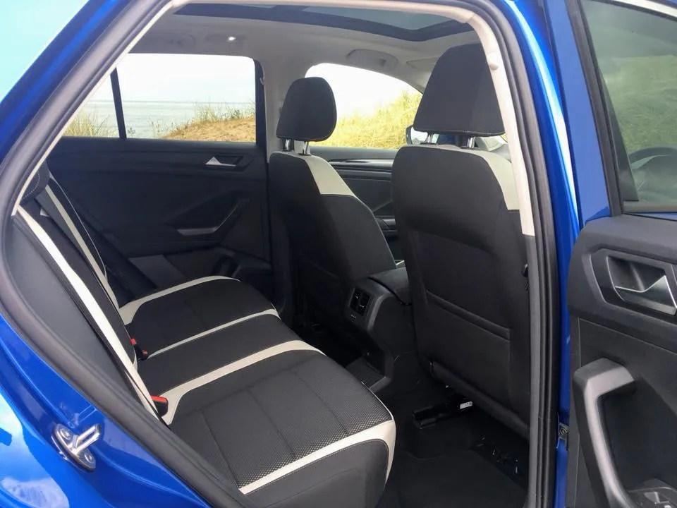Rear legroom in the Volkswagen T-ROC