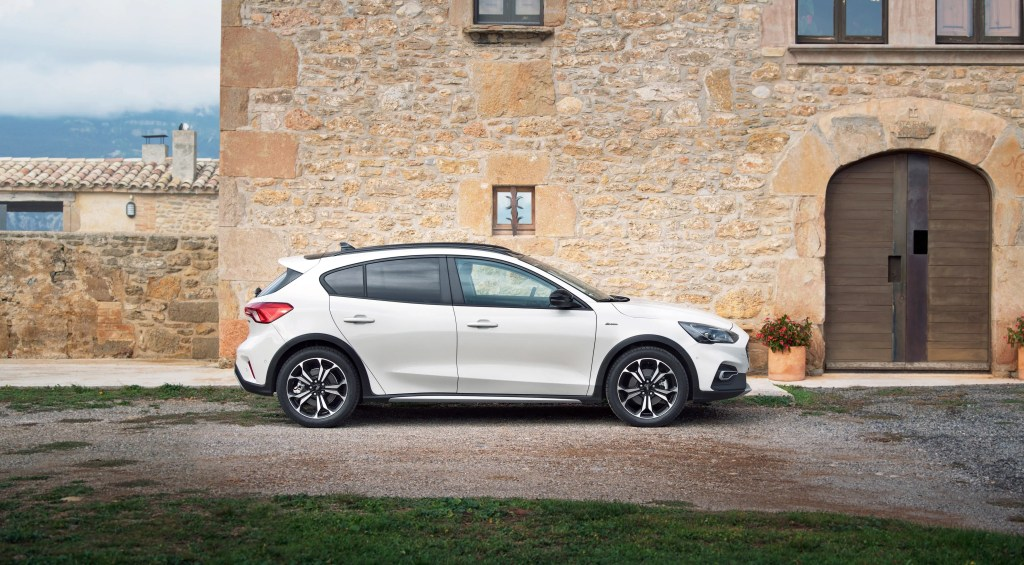 The new Ford Focus Active crossover