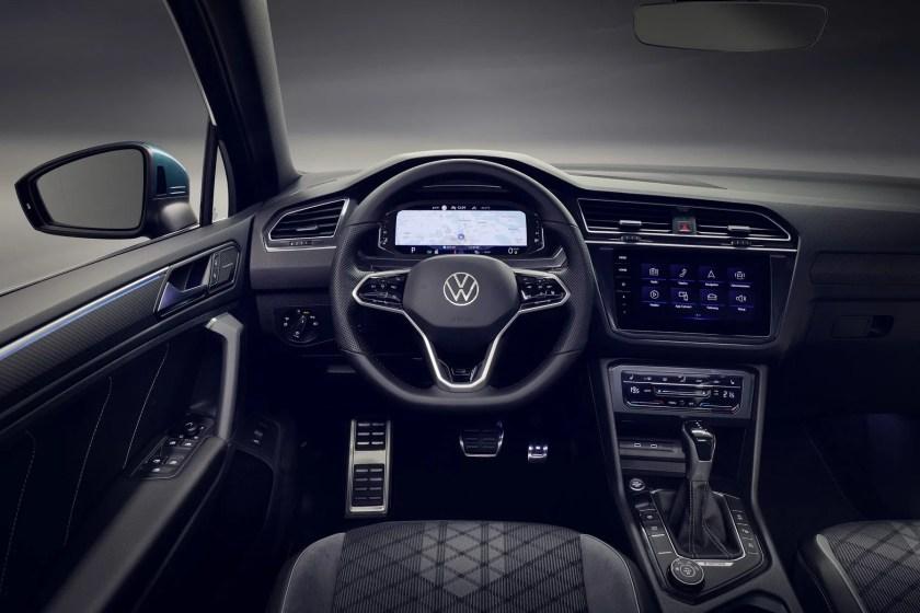 Inside the 2020 Volkswagen Tiguan