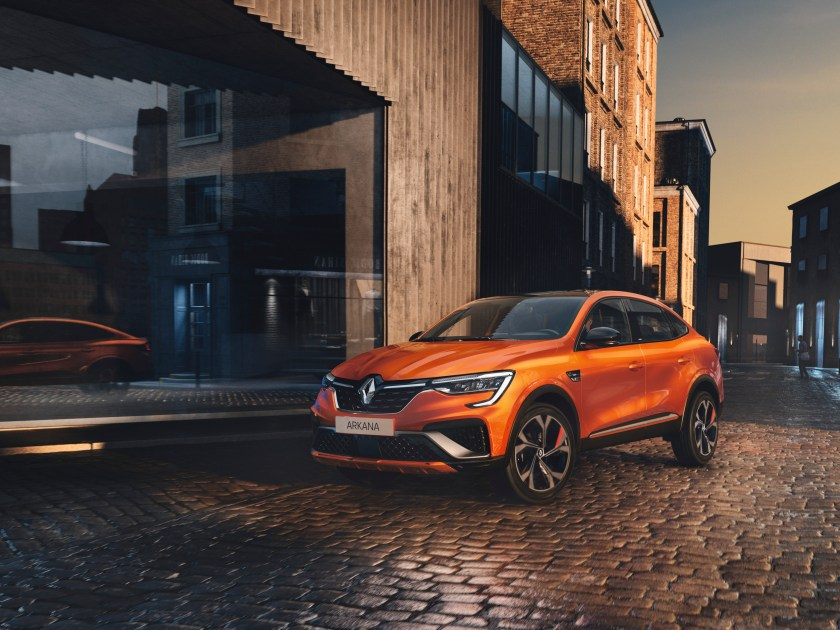 The new Renault Arkana on the way to Ireland in 2021