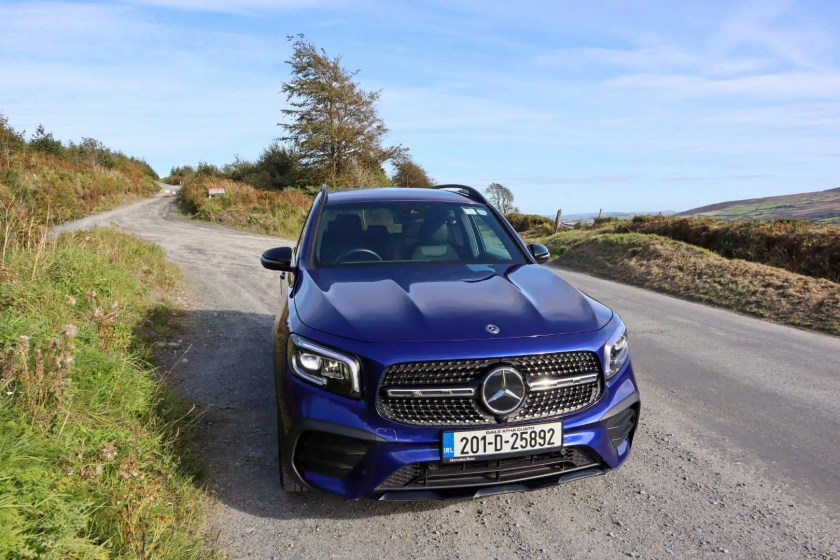The new Mercedes-Benz GLB on test for Changing Lanes!
