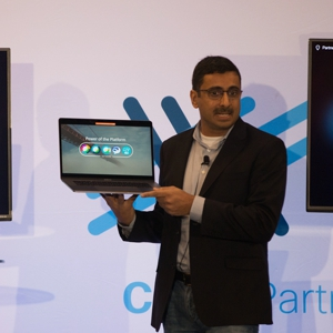Sri Srinivasan, vice president and general manager of Webex Teams, Meetings and devices, showing off Webex Share