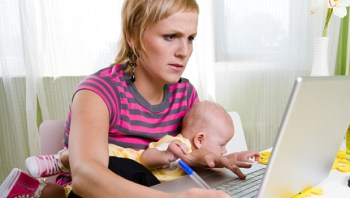 mom_with_baby_multitasking_istock_000007095749small_620x350