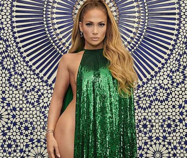 Shock 49 Year Old Singer Jennifer Lopez Poses Naked In New Photo Shoot