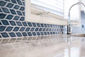 very blue kitchen, Kitchen, Dining Room, remodel, painted ceiling, dmv interior designer, bowie maryland, washington dc, backsplash