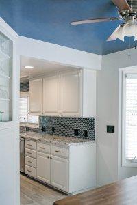 very blue kitchen, Kitchen, Dining Room, remodel, painted ceiling, dmv interior designer, bowie maryland, washington dc, pulls, ceiling