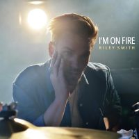 "NEW VISUAL: ""I'M ON FIRE"" BY RILEY SMITH M/V"