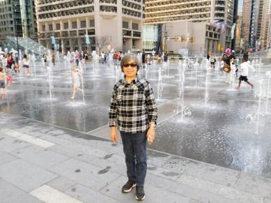 市政厅外的喷泉。