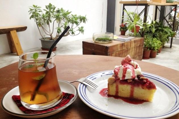 【下午茶】Die flugel cafe(辛亥店) – 廚房前的小空間 @ 公館