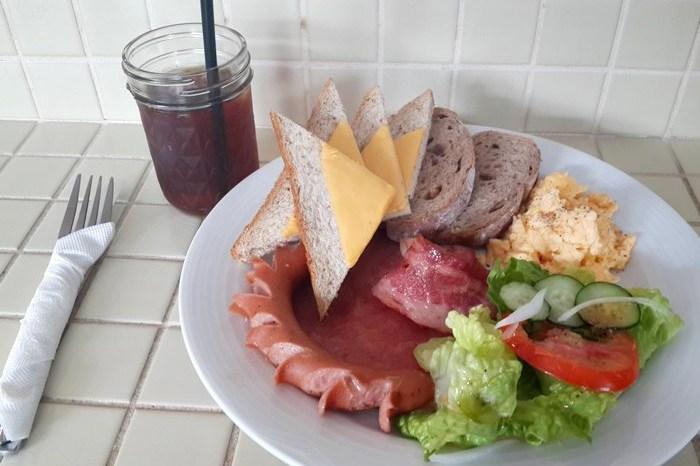 【食記】小巧復古的公雞咖啡Rooster cafe & vintage.來份男子漢的早餐吧~@捷運中山/雙連站