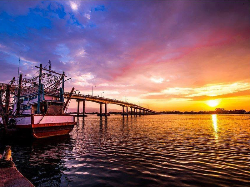 Chaolao Cabana Resort สะพานตากสินมหาราช