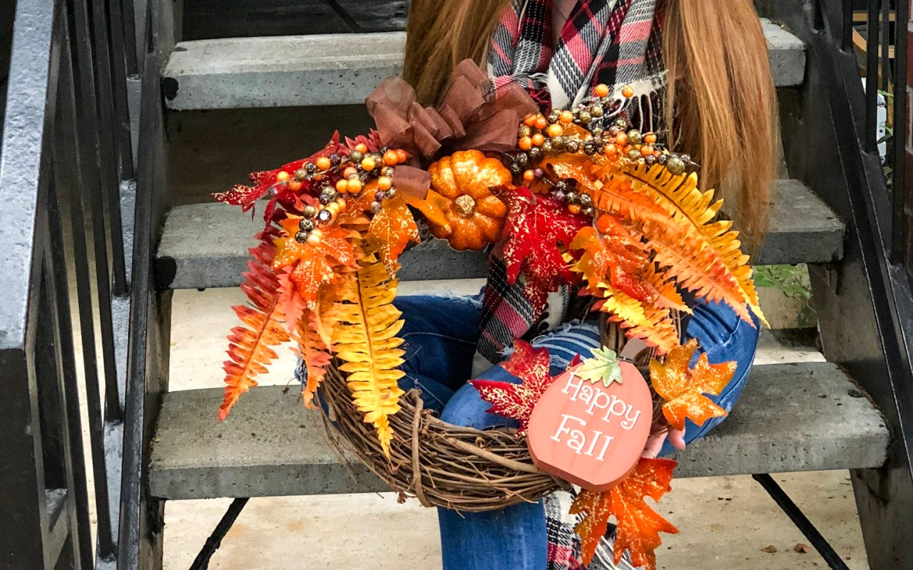 How to Make Your Own Fall Wreath | Chaos and Coffee