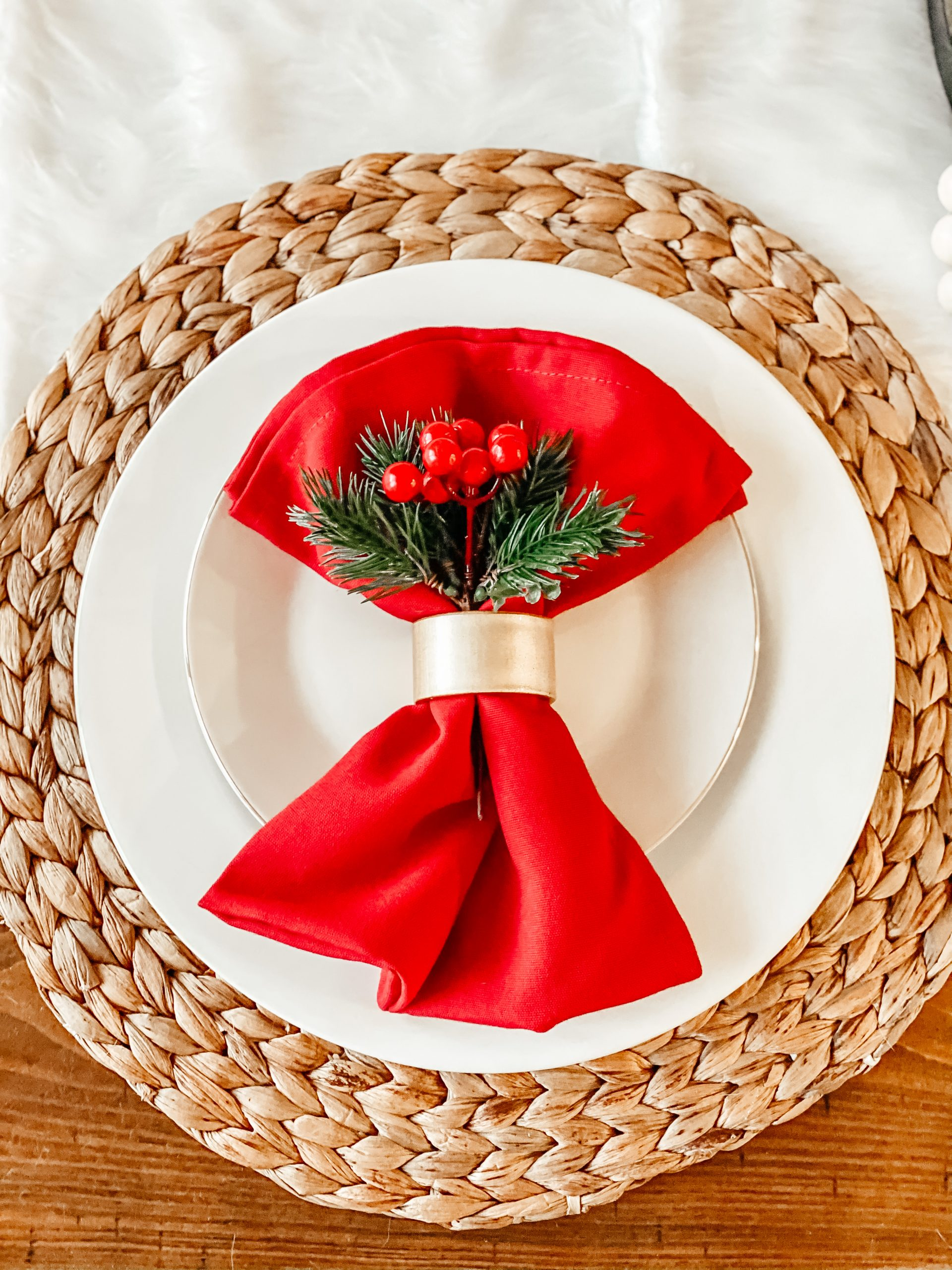 Red and White Christmas Table Decor and Place Setting