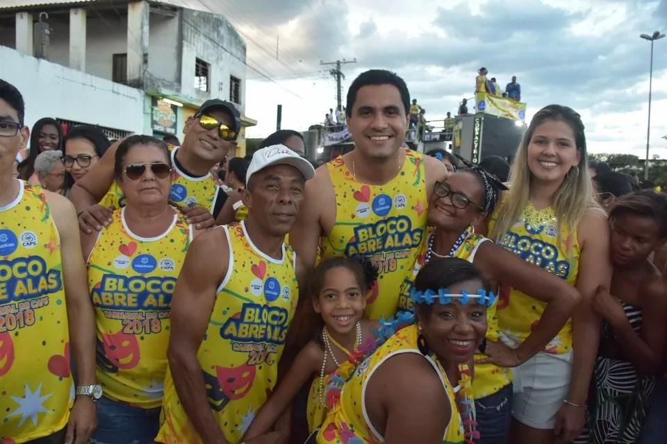 CarnaCAPS 2018 leva bloco Abre Alas pras ruas com cinco mil pessoas
