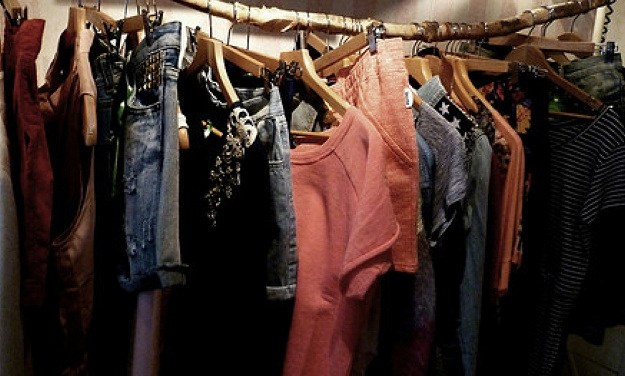 Closet Cleansing: Steps To De-Clutter And Feel Better