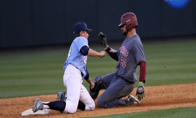 Eight-Run Inning Propels No. 6 UNC Baseball Past Winthrop