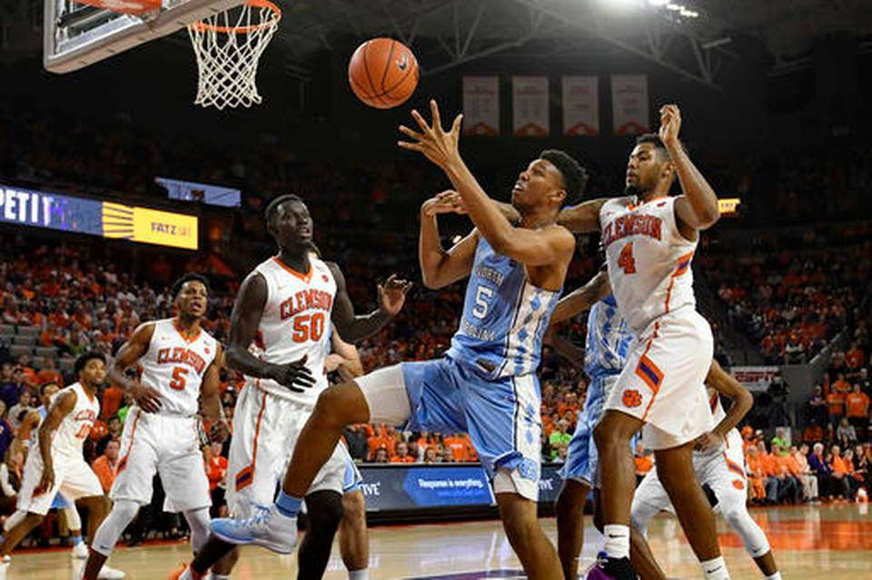 Tar Heels hold off Tigers