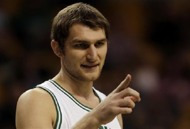 Brooklyn Nets Sign Tyler Zeller to Two-Year Contract