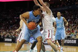Kennedy Meeks battling inside (Daily Tar Heel)