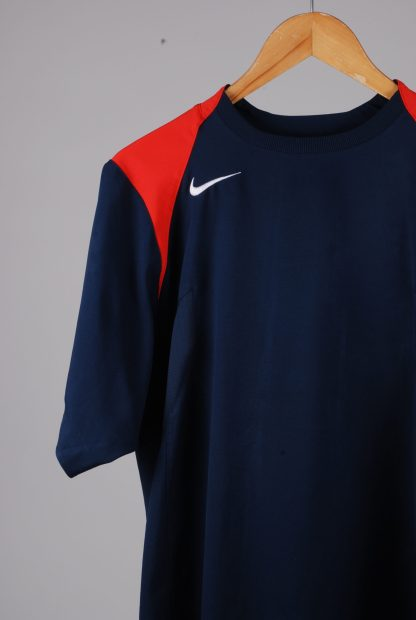 Nike Blue & Red Tee - Size M - Front Detail