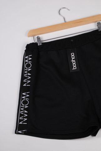 Boohoo Woman Black Shorts - Size 16 - Front Detail