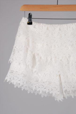 Zara Woman Ivory Lace Shorts - Size XS - Front Detail