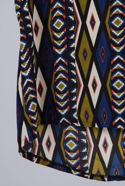 Diffuse Geometric Pattern Cami Top - Size 10 - Front Hem