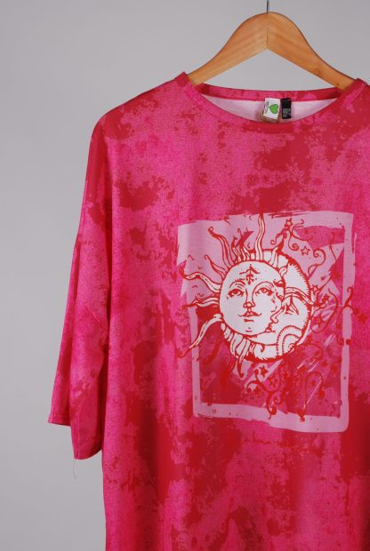 Boohoo Recycled Sun Motif Oversized Tee - Size 10 - Front Detail