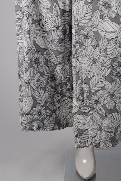 M&S Grey & White Floral Trousers - Size 16 - Leg Detail