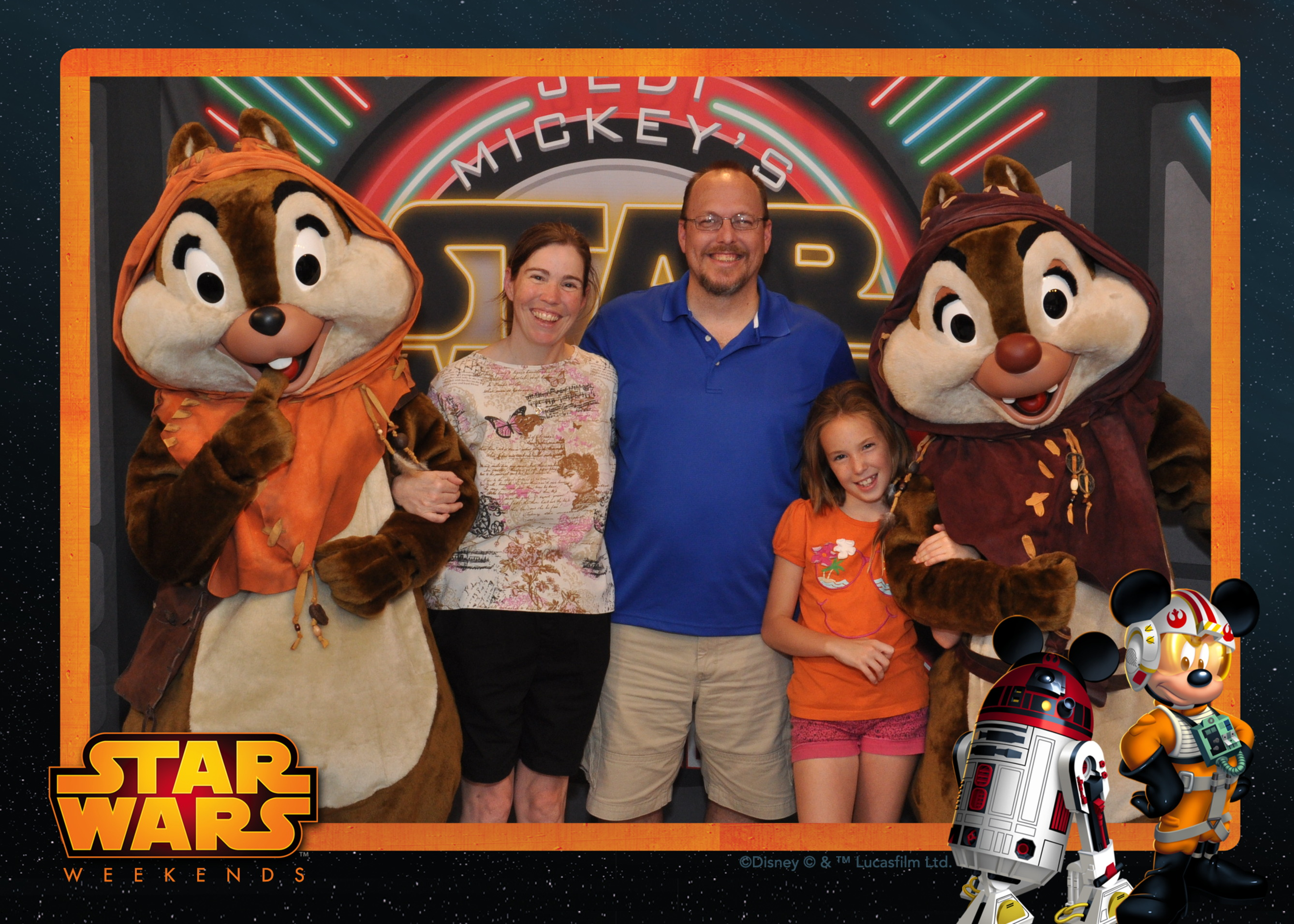 Ewok Chip n Dale at Jedi Mickey's Star Wars character dinner