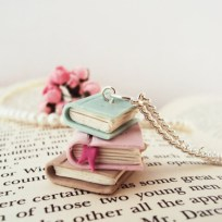 Stacked Books Necklace © MyMiniMunchies