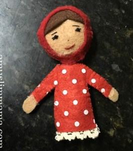Felt Muslim doll finger puppet DIY (25)