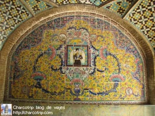 Azulejos evocadores de la época de los sha