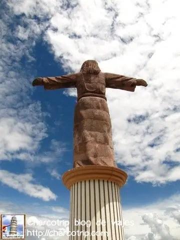 El cristo visto desde atras, chequen que nubes!