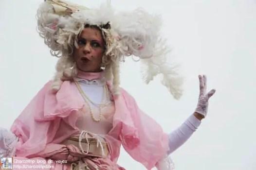 carnaval niza zanquera rosa